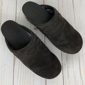Lands' End Suede Clog with Stitched Detailing 10B
